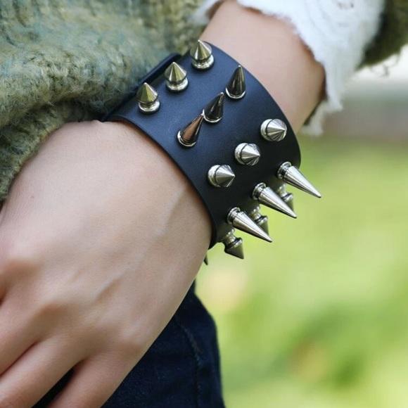⭐️ Studded Spike PU Leather Thick Bracelet ⭐️